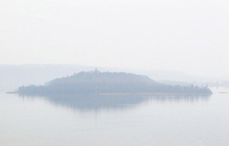 Île Saint Pierre, Photograph, Ink jet on aluminium, 2011, Edition 4/5, 76x120cm, 4'500.- CHF
